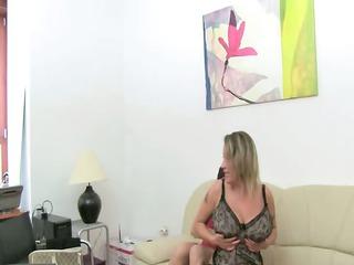 cougar slut bang on leather sofa