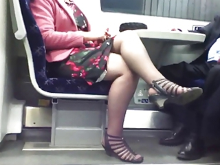 candid gorgeous crossed foot 8. hot mature!
