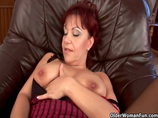 ball game milf into nylons playing her juicy