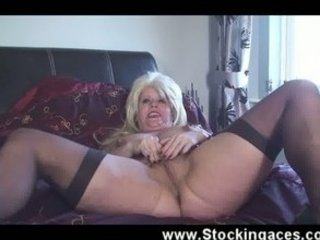 stunning english maiden bangs on video when hubby