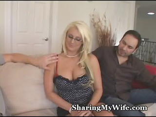 swinger housewife with super  bossom