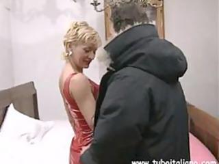 hot british blonde milf quarantenne