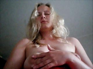 young woman jana dildoing