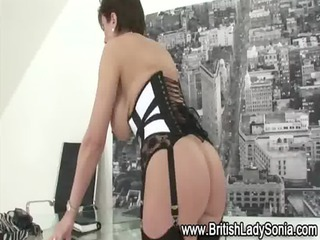 english cougar bitch into stockings