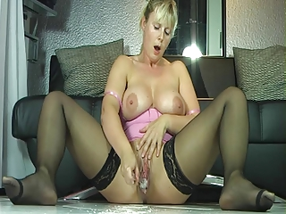 outrageuos spurting woman