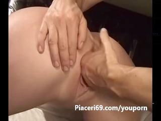 fingering vaginale a milf italiana arrapata in