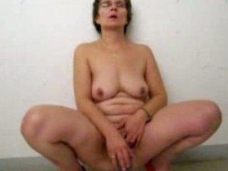 cougar pee and masturbate into parking garage