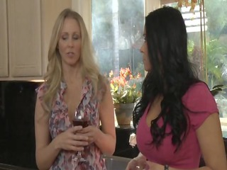 julia ann and vanillia deville
