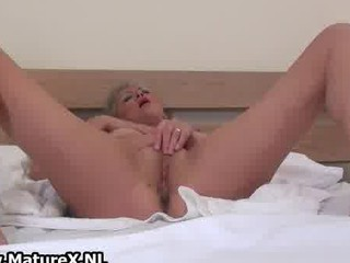 bleached cougar chick adores masturbating part5