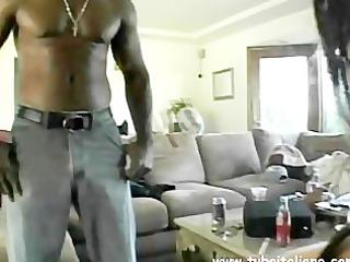 american milf liza si scopa il negrone